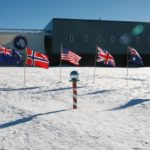 Politik Menutup Antartika untuk Merahasiakan Bumi Datar