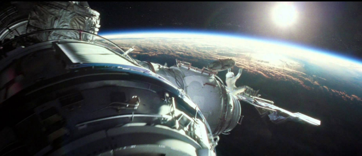 satelite-gravity-movie-2013-image