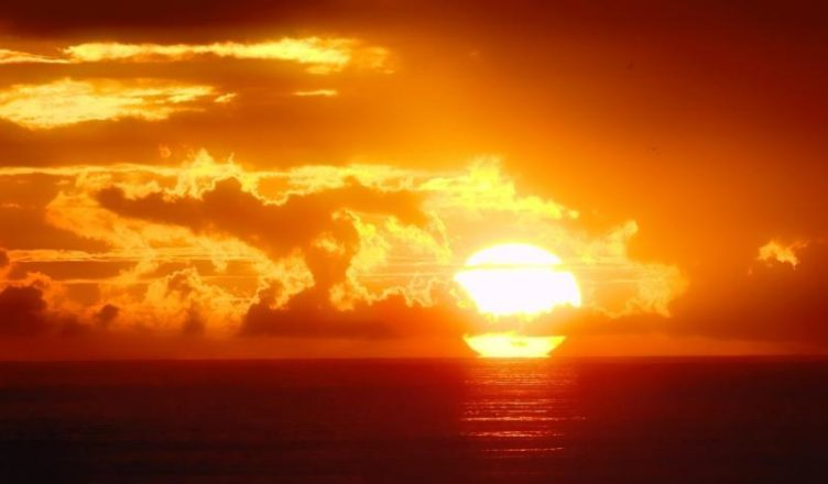 Tanda Bahwa Matahari Mengitari Bumi