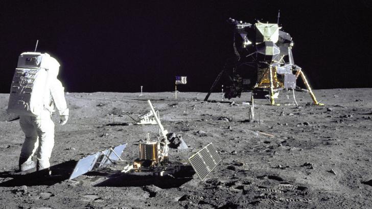 hoax manusia ke bulan